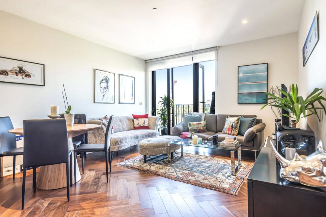 Flat for sale in Ambassador Building, 5 New Union Square, SW11 7BN - view - 1