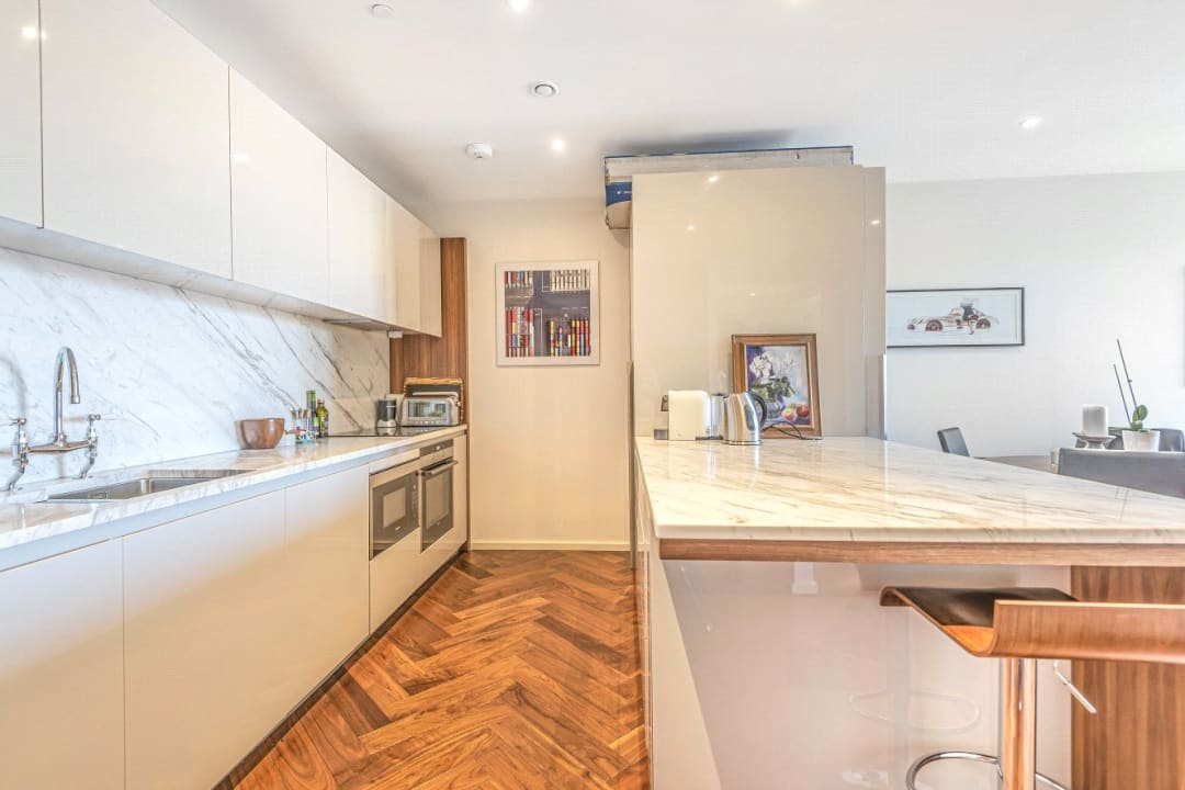 Flat for sale in Ambassador Building, 5 New Union Square, SW11 7BN - view - 2