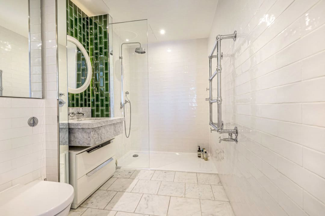 Flat for sale in Ambassador Building, 5 New Union Square, SW11 7BN - view - 4