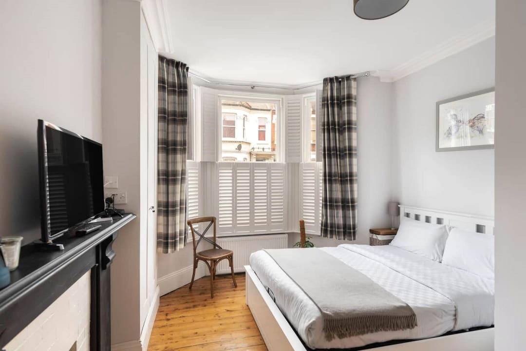Flat for sale in Elspeth Road, London, SW11 1DS - view - 5