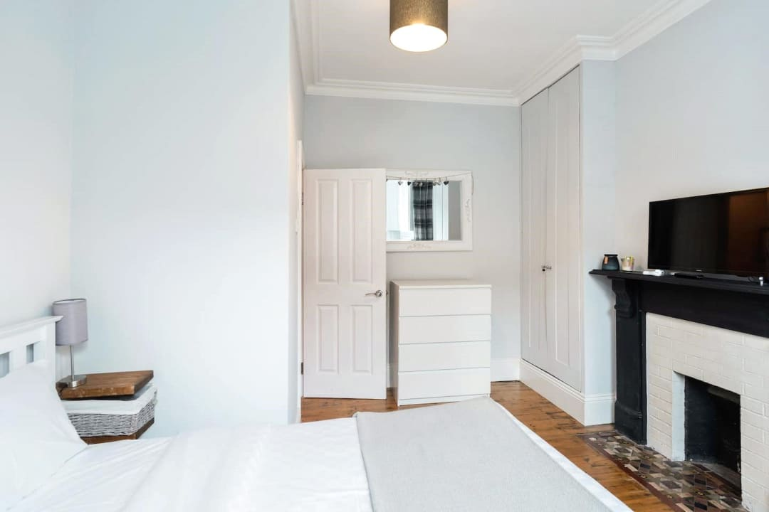 Flat for sale in Elspeth Road, London, SW11 1DS - view - 6