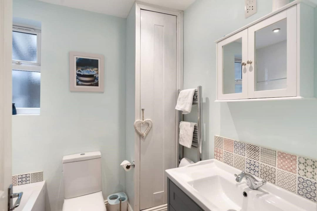 Flat for sale in Elspeth Road, London, SW11 1DS - view - 9