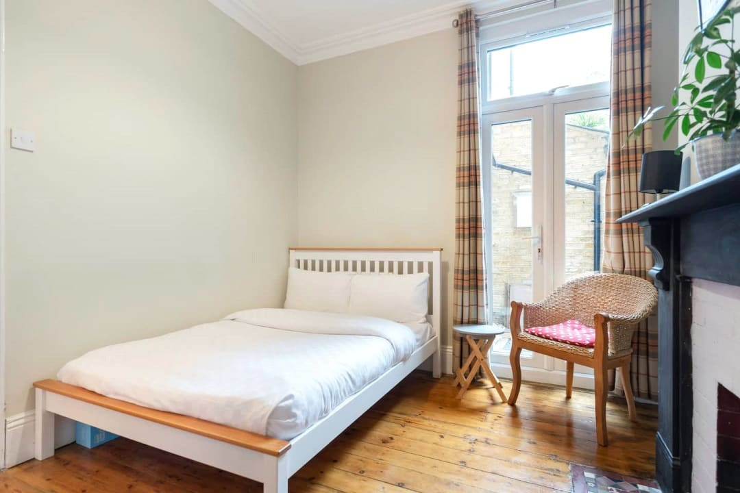 Flat for sale in Elspeth Road, London, SW11 1DS - view - 10