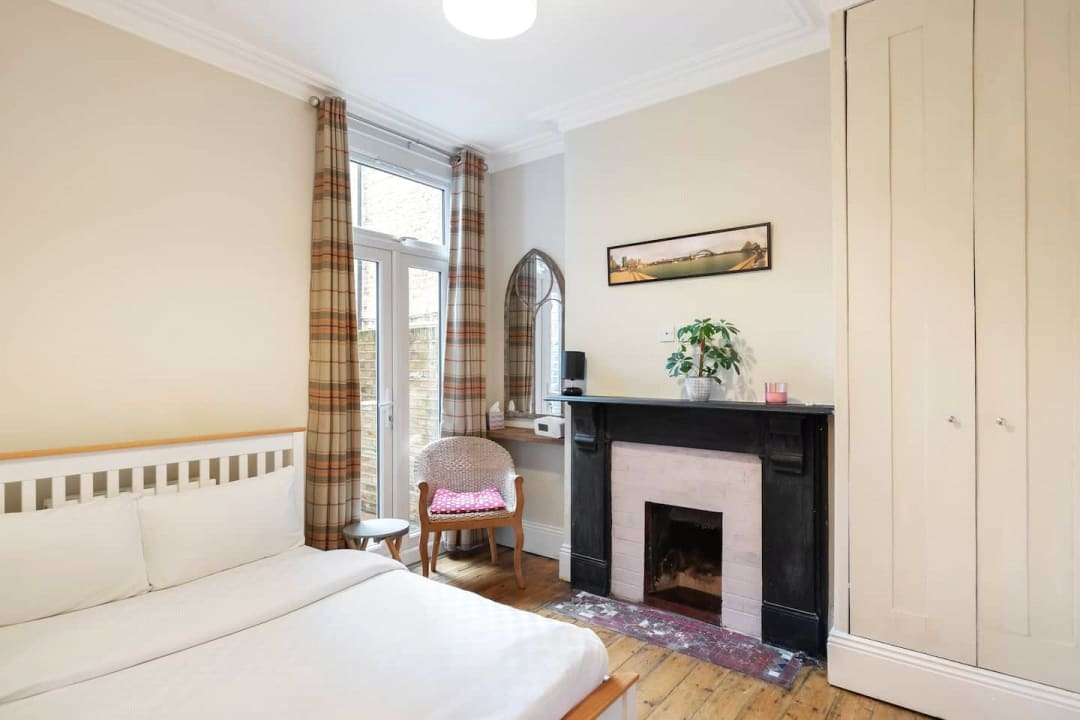 Flat for sale in Elspeth Road, London, SW11 1DS - view - 11