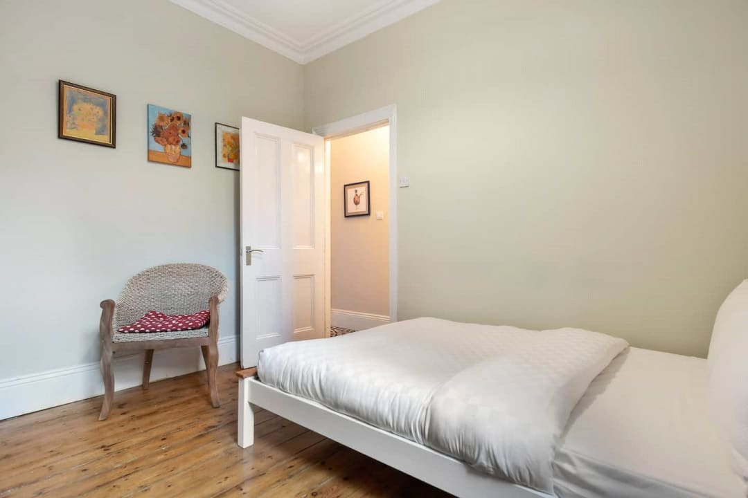 Flat for sale in Elspeth Road, London, SW11 1DS - view - 12