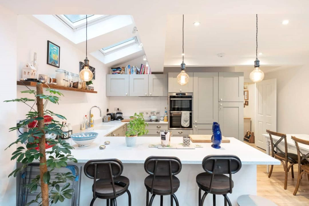 Flat for sale in Elspeth Road, London, SW11 1DS - view - 2