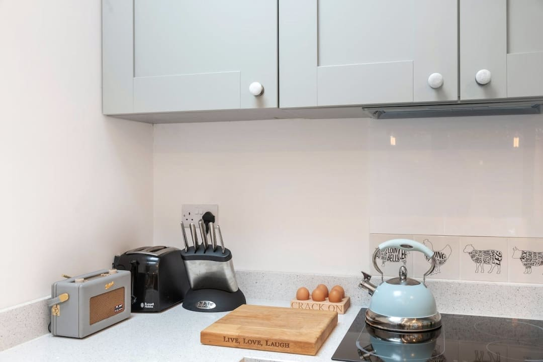 Flat for sale in Elspeth Road, London, SW11 1DS - view - 17