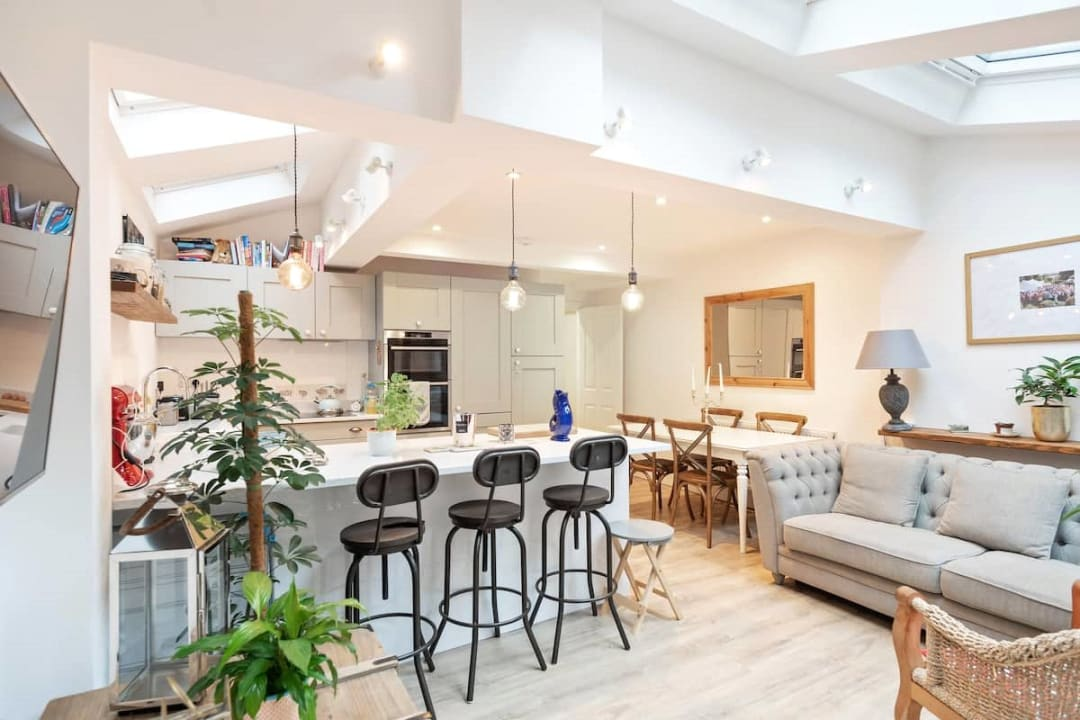 Flat for sale in Elspeth Road, London, SW11 1DS - view - 1