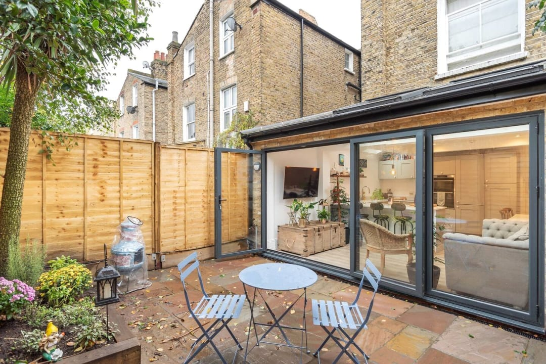 Flat for sale in Elspeth Road, London, SW11 1DS - view - 4