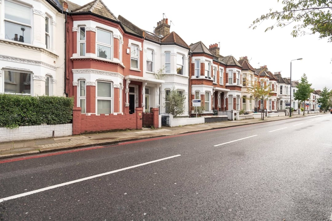 Flat for sale in Elspeth Road, London, SW11 1DS - view - 3