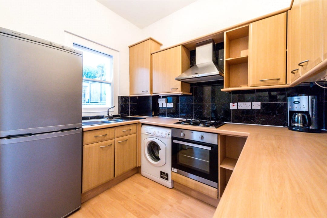 Flat for sale in Falcon Road, , SW11 2PG - view - 3
