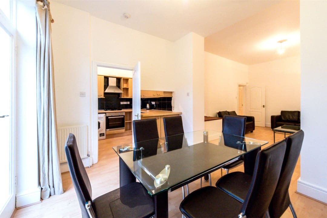 Flat for sale in Falcon Road, , SW11 2PG - view - 4