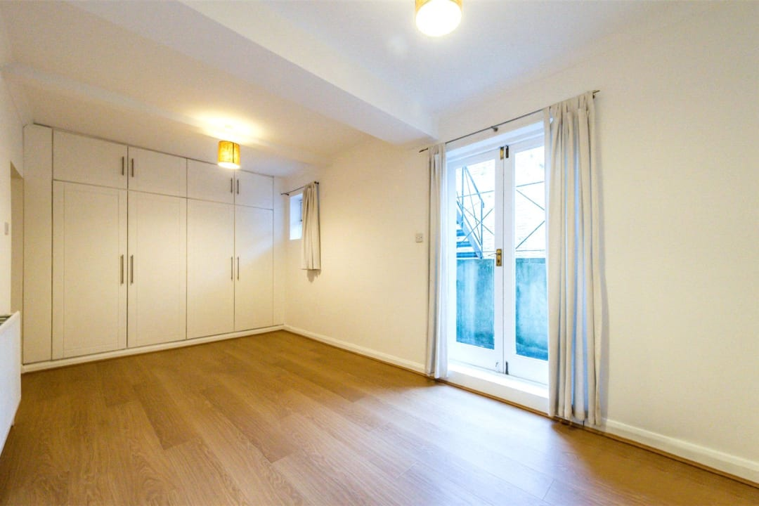 Flat for sale in Falcon Road, , SW11 2PG - view - 7