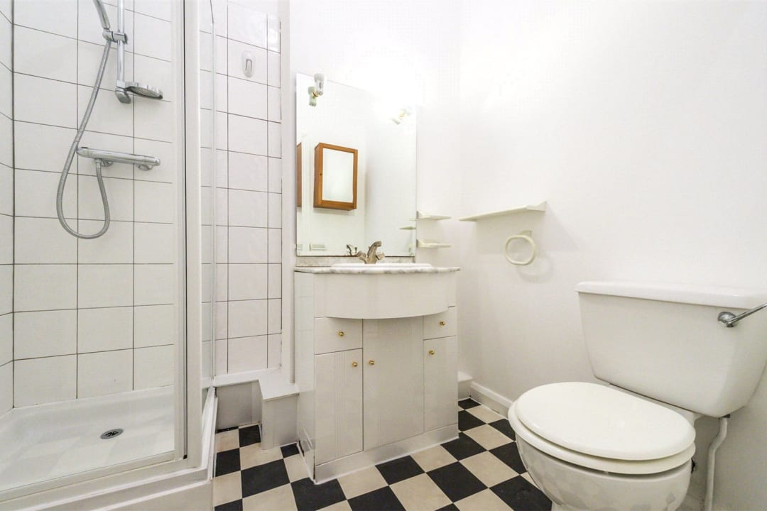 Flat for sale in Falcon Road, , SW11 2PG - view - 6