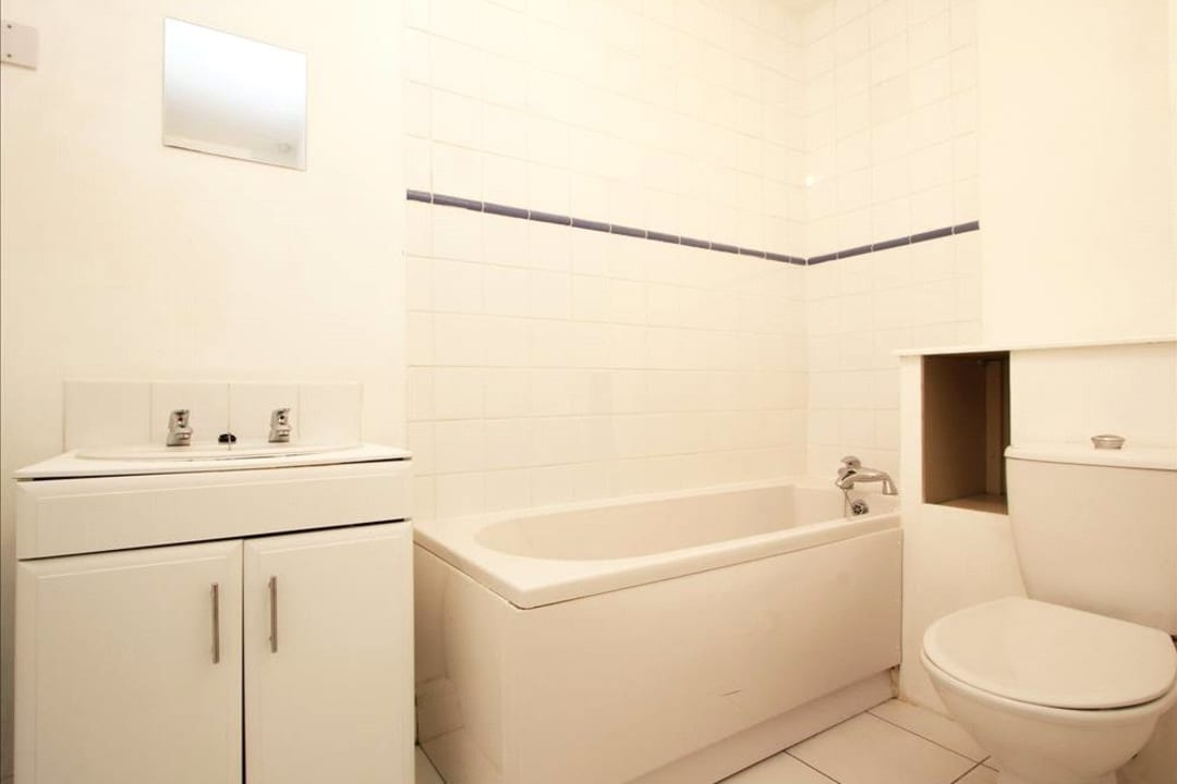 Flat for sale in Falcon Road, , SW11 2PG - view - 8