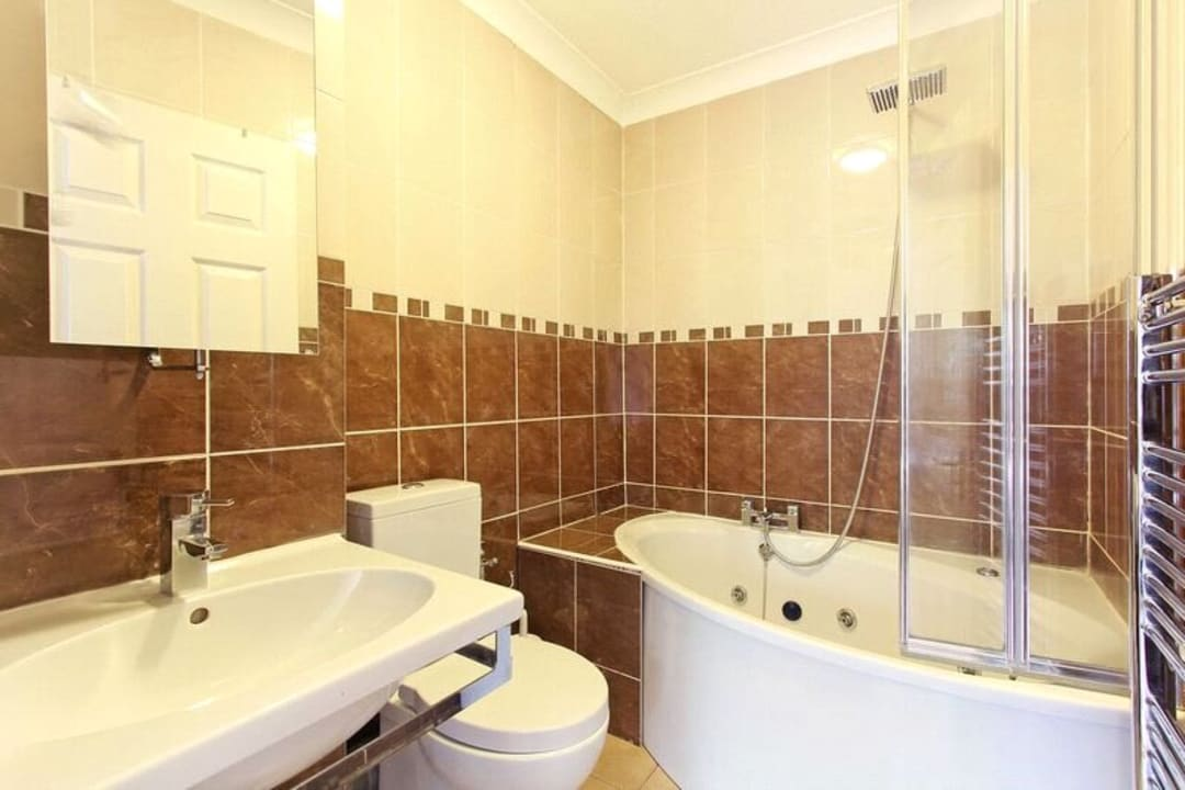 Flat for sale in Glamis Place, London, E1W 3EF - view - 7