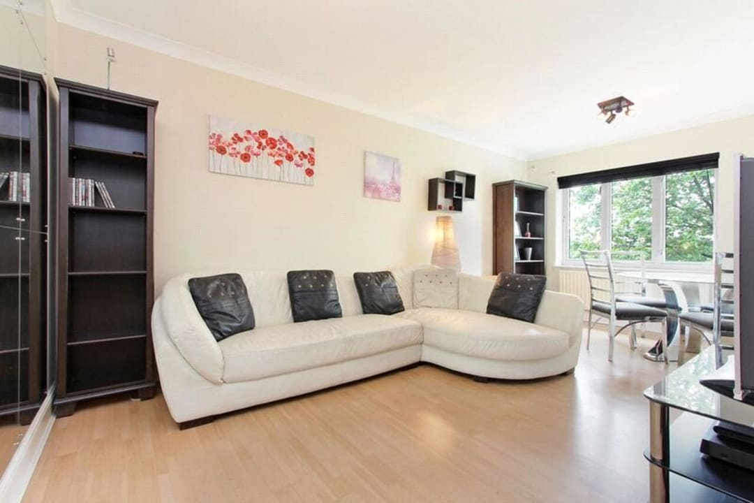 Flat for sale in Glamis Place, London, E1W 3EF - view - 1