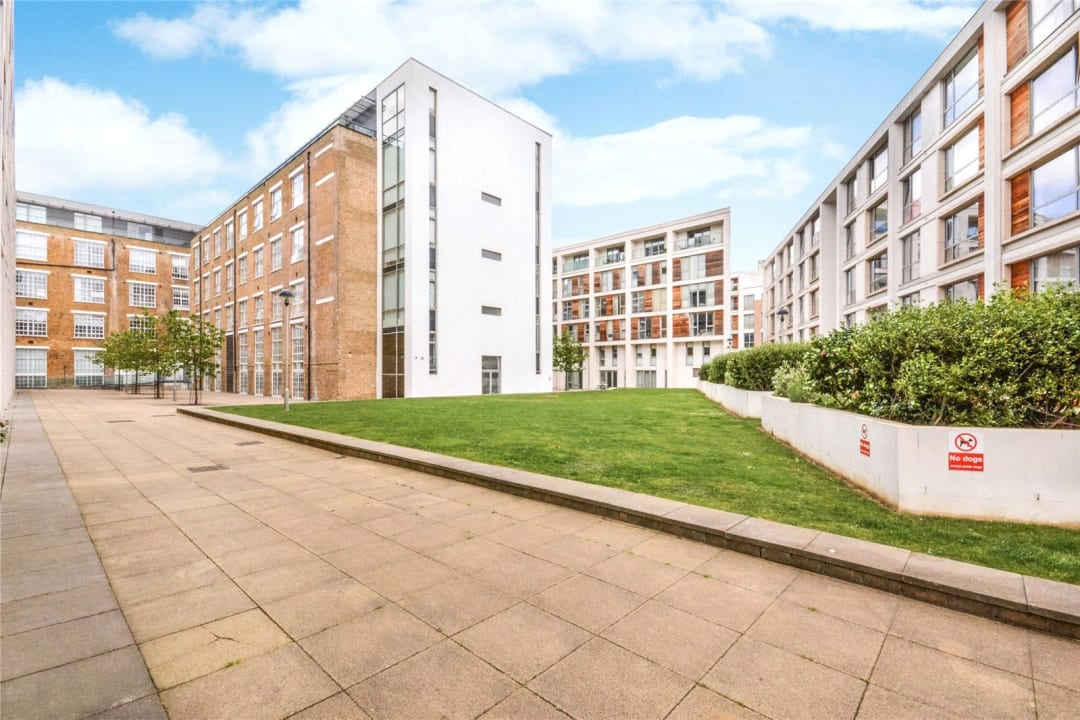 Flat for sale in Grant House, 90 Liberty Street, SW9 0BZ - view - 8