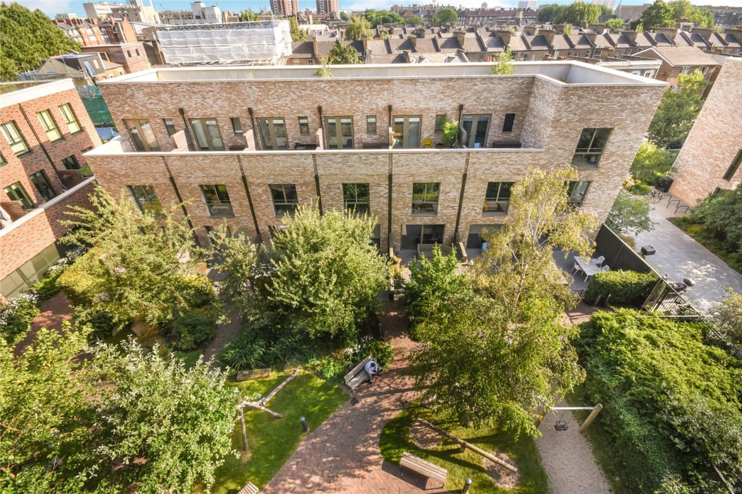 Flat for sale in Heygate Street, Elephant and Castle, SE17 1FQ - view - 13