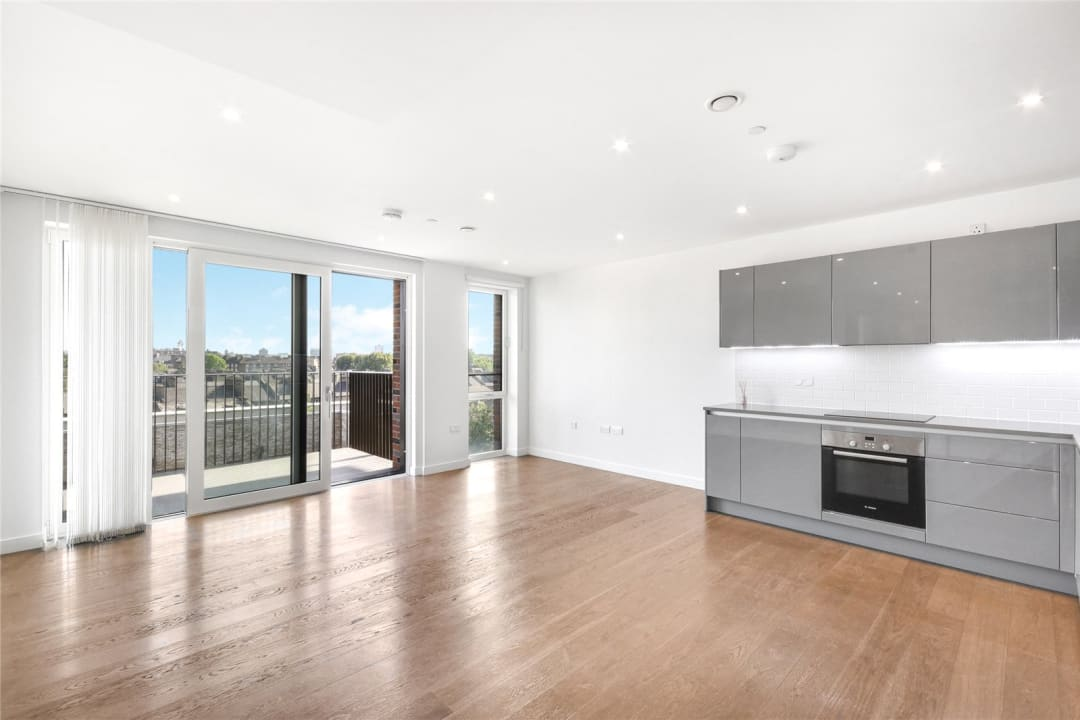 Flat for sale in Heygate Street, Elephant and Castle, SE17 1FQ - view - 1