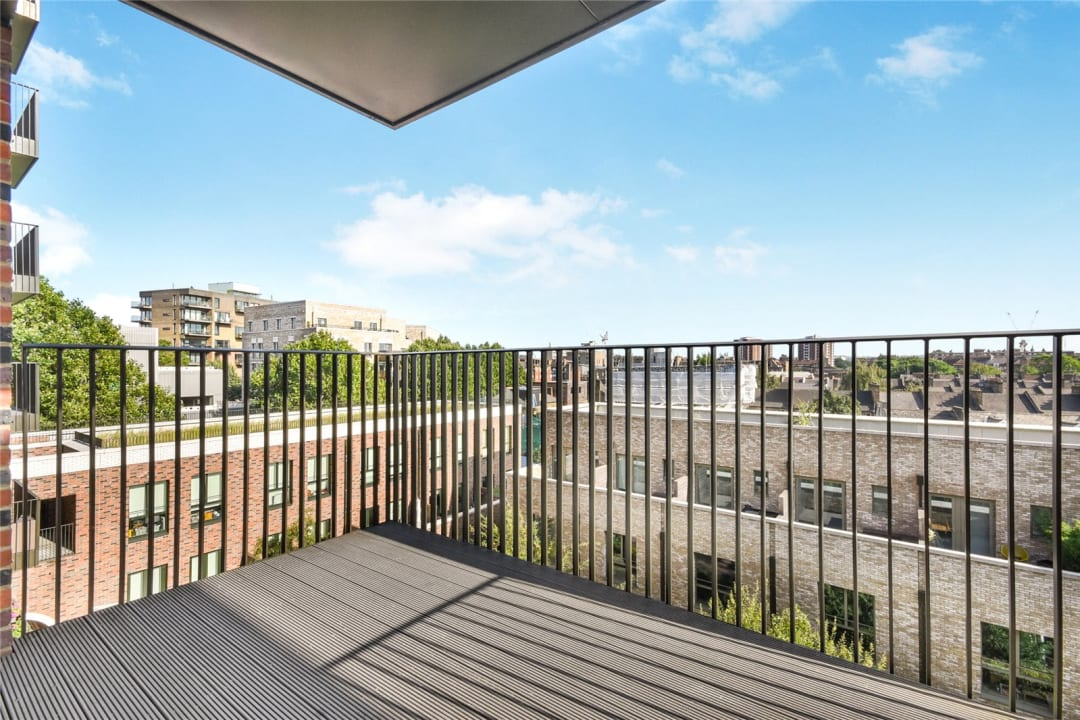 Flat for sale in Heygate Street, Elephant and Castle, SE17 1FQ - view - 3