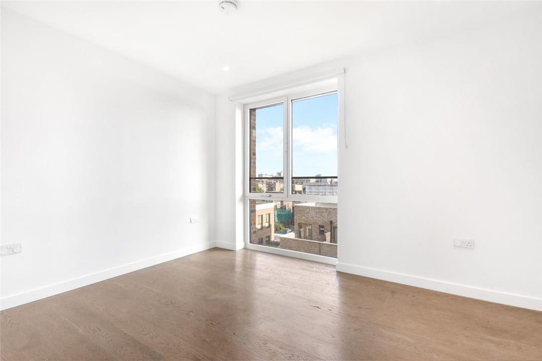 Flat for sale in Heygate Street, Elephant and Castle, SE17 1FQ - view - 7
