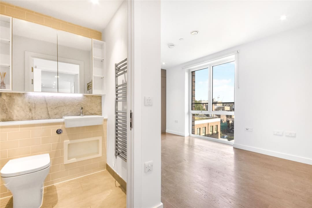 Flat for sale in Heygate Street, Elephant and Castle, SE17 1FQ - view - 11