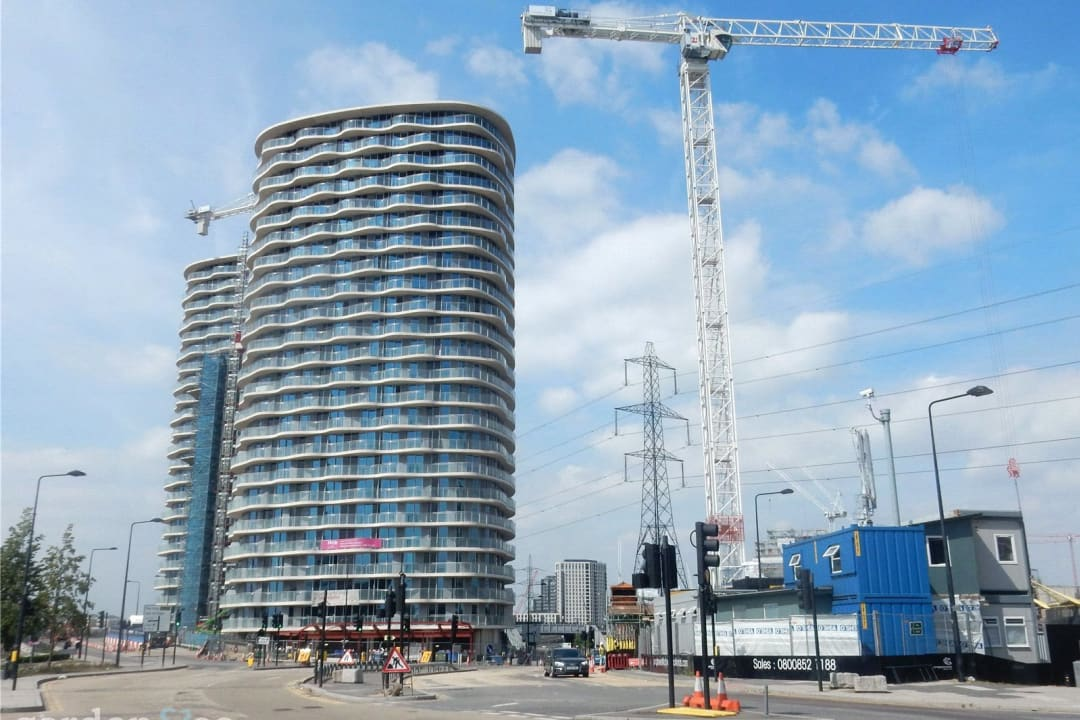 Flat for sale in Hoola, Royal Victoria Docks, E16 1AD - view - 1