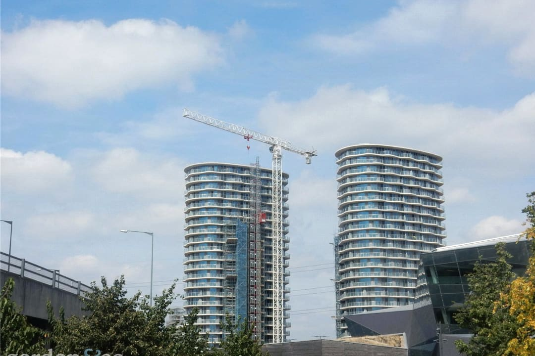 Flat for sale in Hoola, Royal Victoria Docks, E16 1AD - view - 3