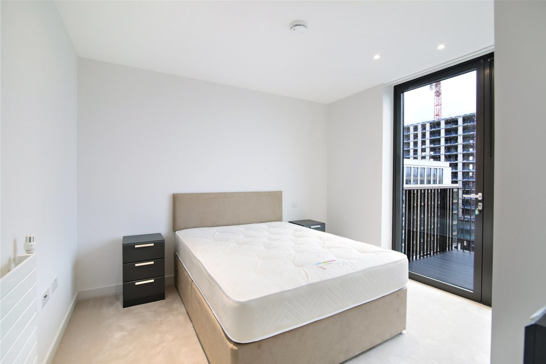 Flat for sale in Rope Terrace, Royal Wharf, E16 2PH - view - 4