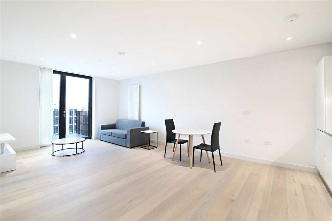 Flat for sale in Rope Terrace, Royal Wharf, E16 2PH - view - 1