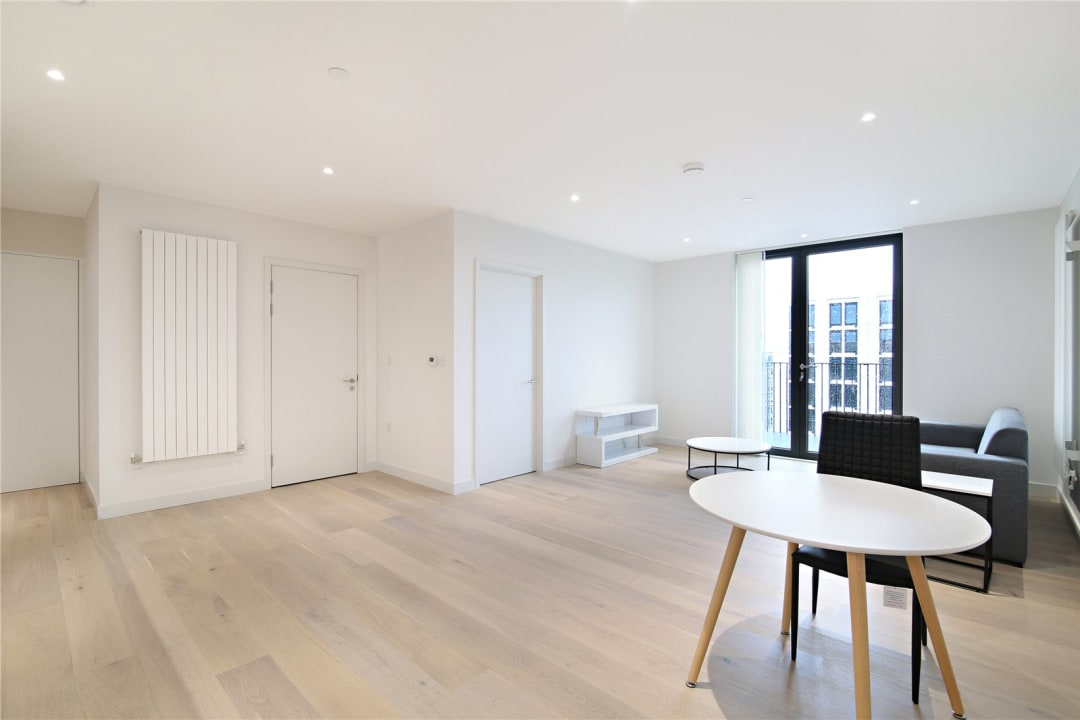 Flat for sale in Rope Terrace, Royal Wharf, E16 2PH - view - 6