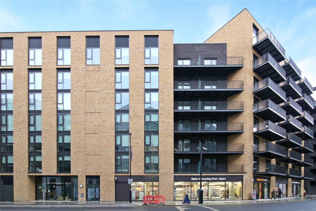 Flat for sale in Rope Terrace, Royal Wharf, E16 2PH - view - 9