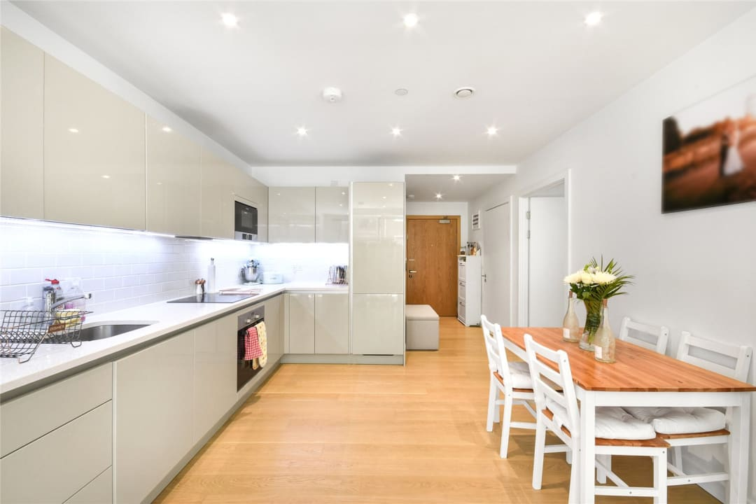 Flat for sale in Sayer Street, Elephant and Castle, SE17 1FG - view - 6