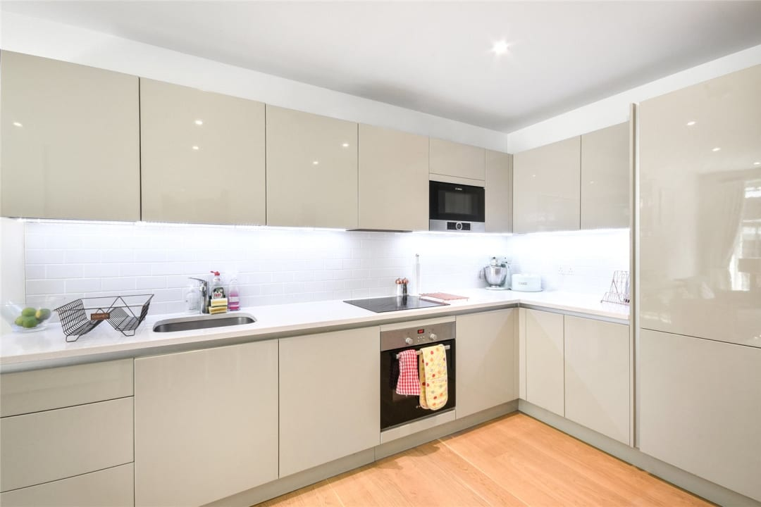Flat for sale in Sayer Street, Elephant and Castle, SE17 1FG - view - 9