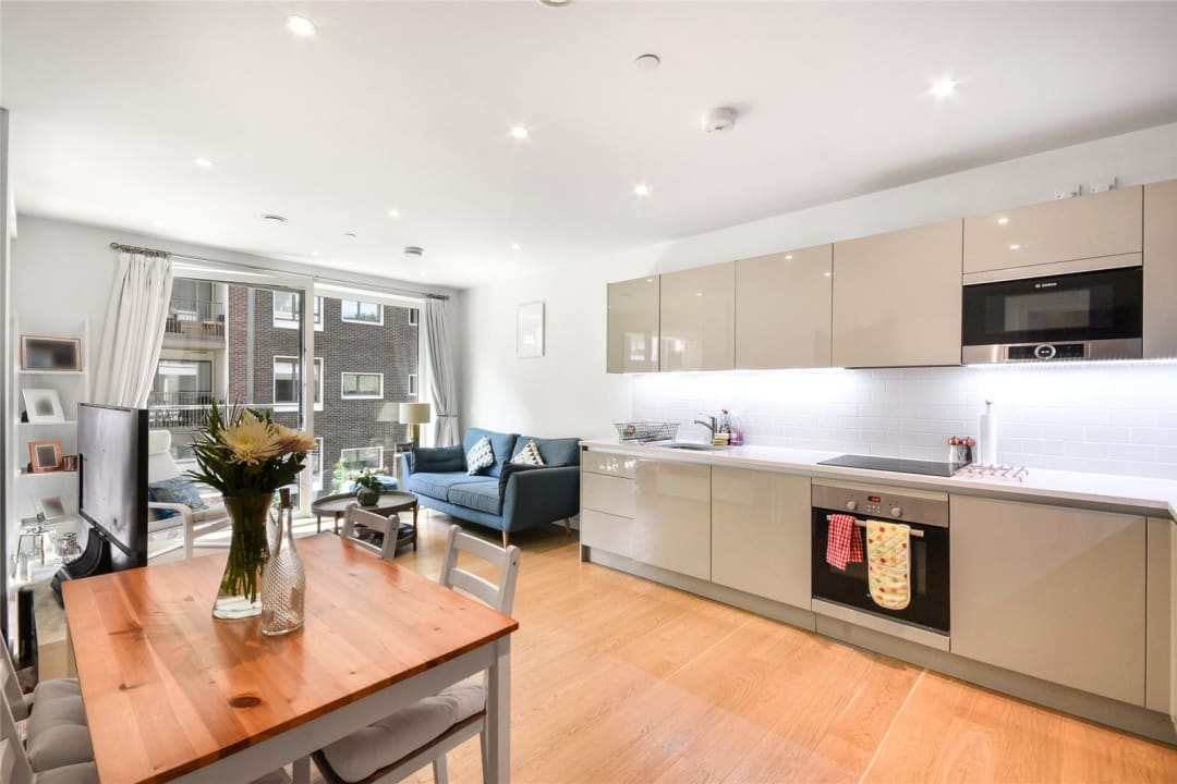 Flat for sale in Sayer Street, Elephant and Castle, SE17 1FG - view - 3