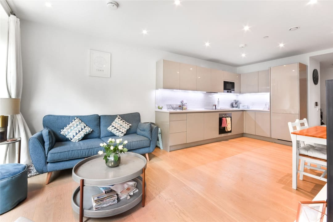 Flat for sale in Sayer Street, Elephant and Castle, SE17 1FG - view - 5
