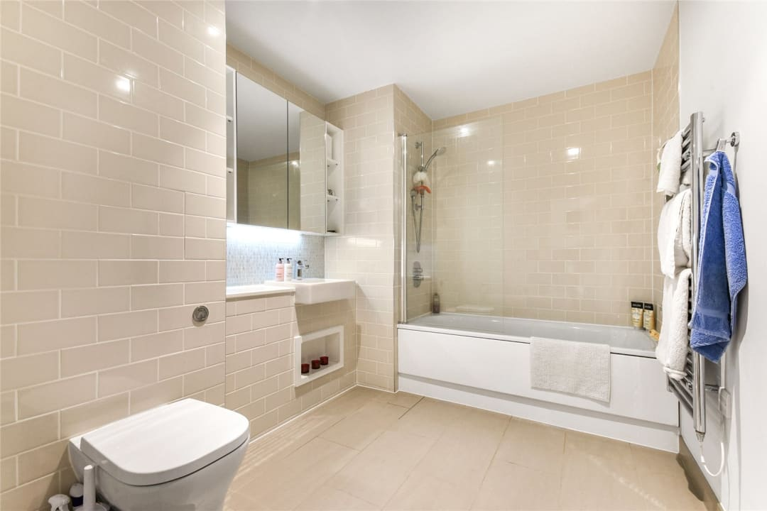 Flat for sale in Sayer Street, Elephant and Castle, SE17 1FG - view - 7