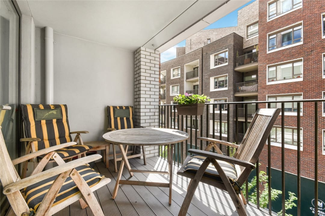 Flat for sale in Sayer Street, Elephant and Castle, SE17 1FG - view - 4