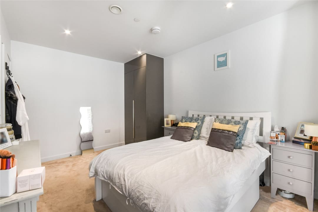 Flat for sale in Sayer Street, Elephant and Castle, SE17 1FG - view - 10