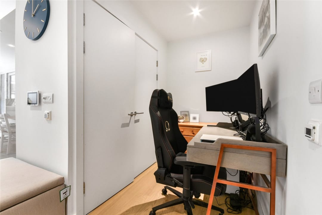 Flat for sale in Sayer Street, Elephant and Castle, SE17 1FG - view - 8