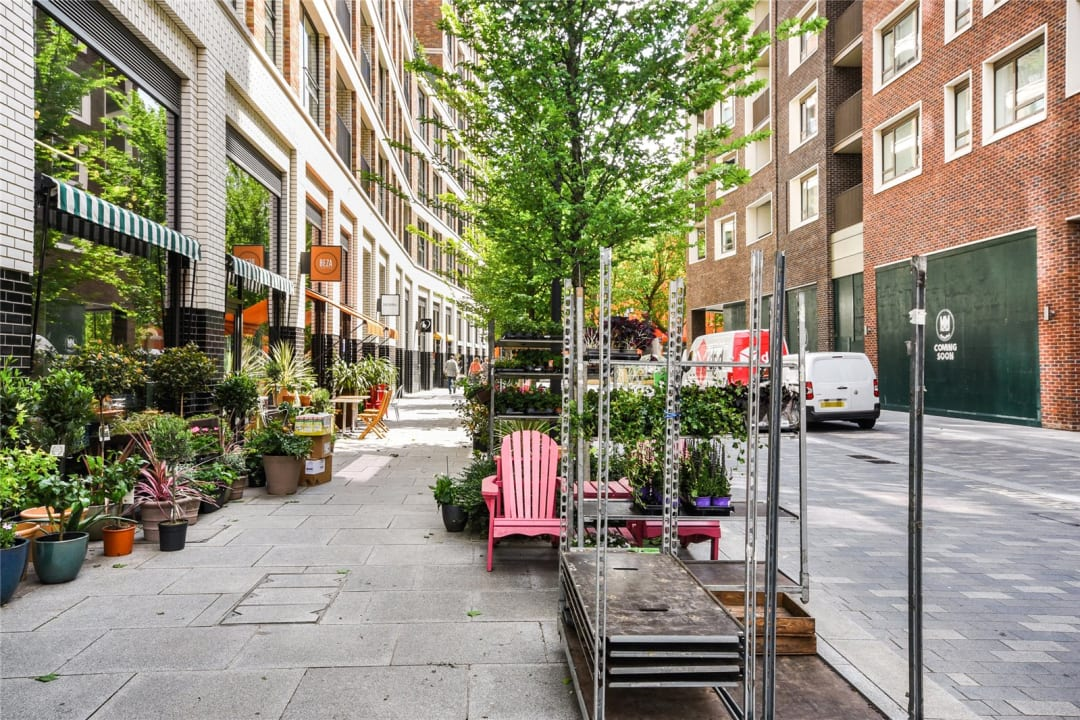 Flat for sale in Sayer Street, Elephant and Castle, SE17 1FG - view - 12