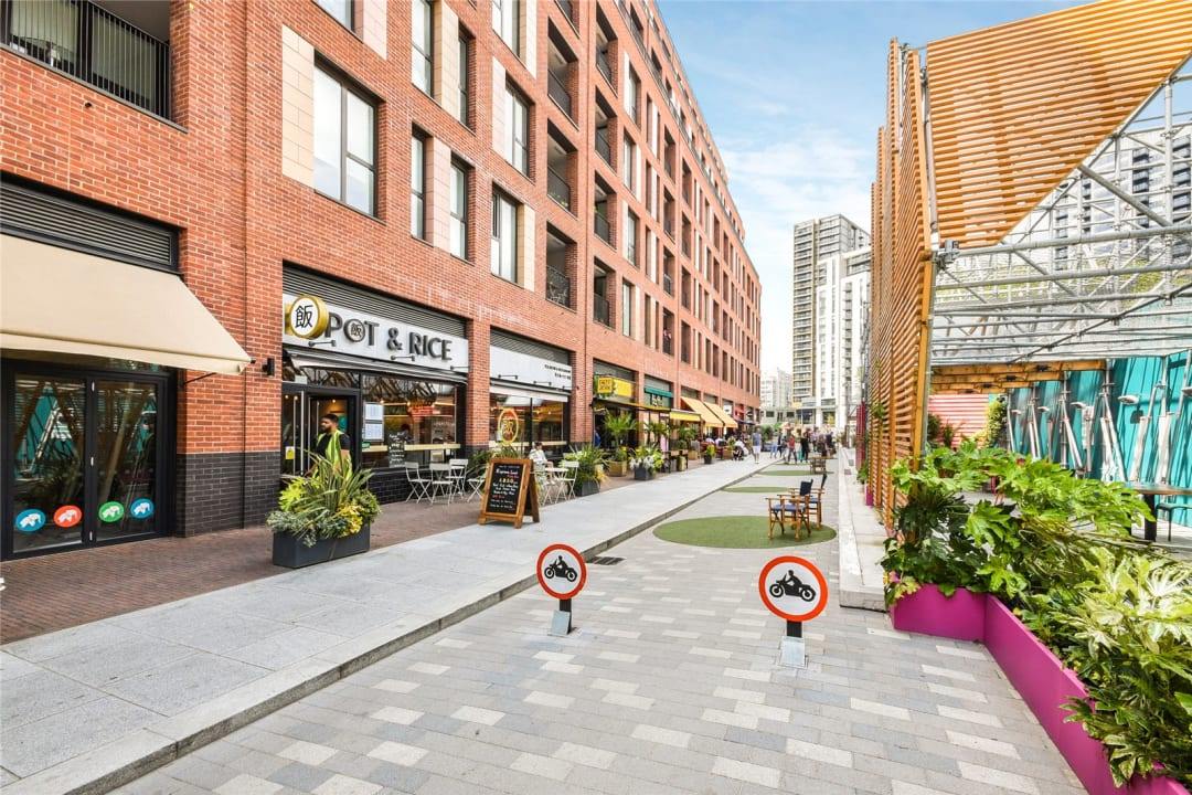 Flat for sale in Sayer Street, Elephant and Castle, SE17 1FG - view - 13
