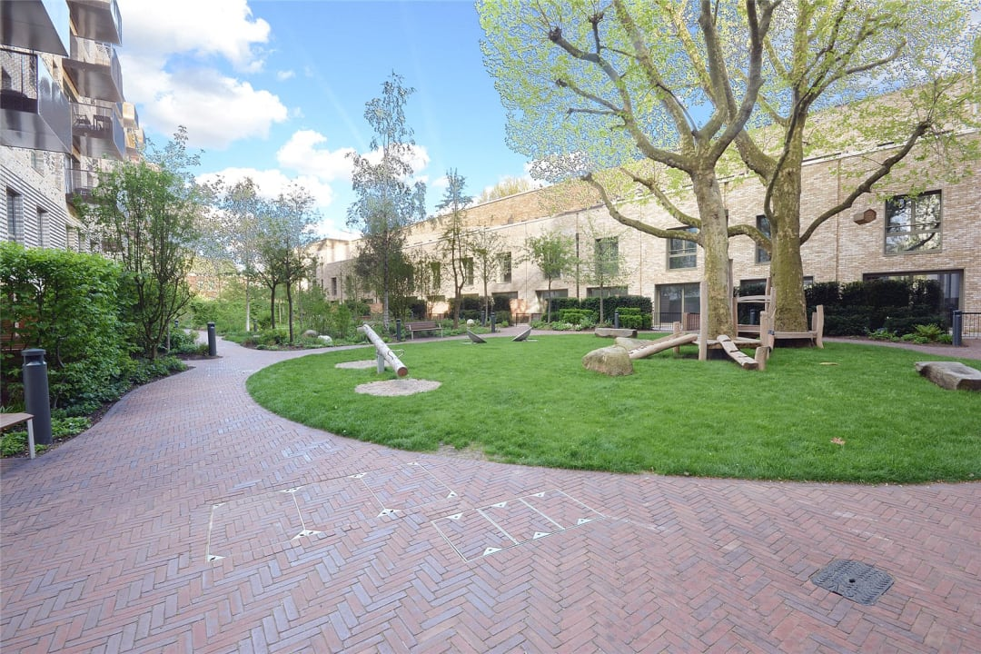 Flat for sale in Sayer Street, Elephant and Castle, SE17 1FG - view - 16