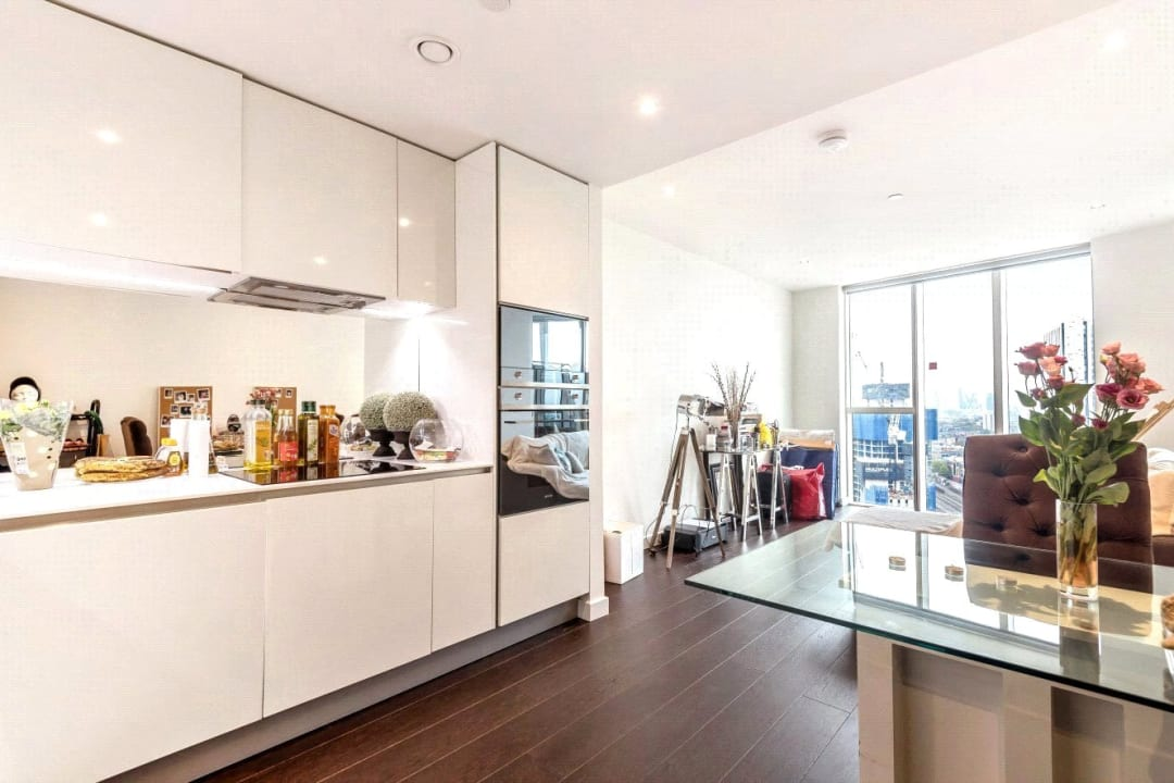 Flat for sale in Sky Gardens, Wandsworth Road, SW8 2LY - view - 2