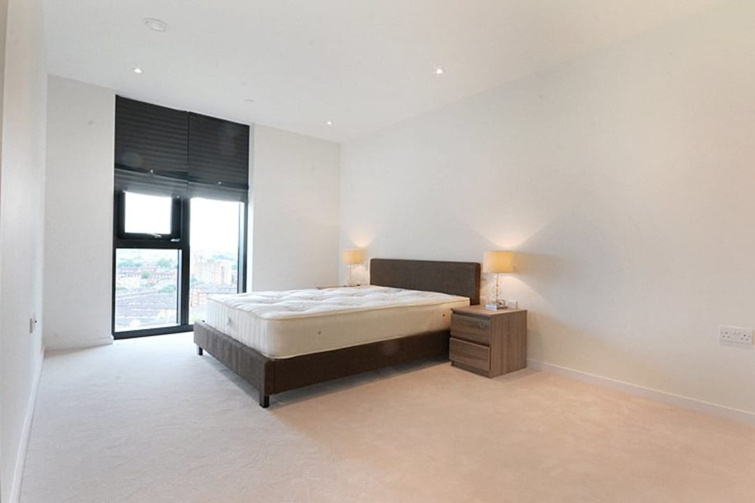 Flat for sale in St. Gabriel Walk, Elephant and Castle, SE1 6FB - view - 3