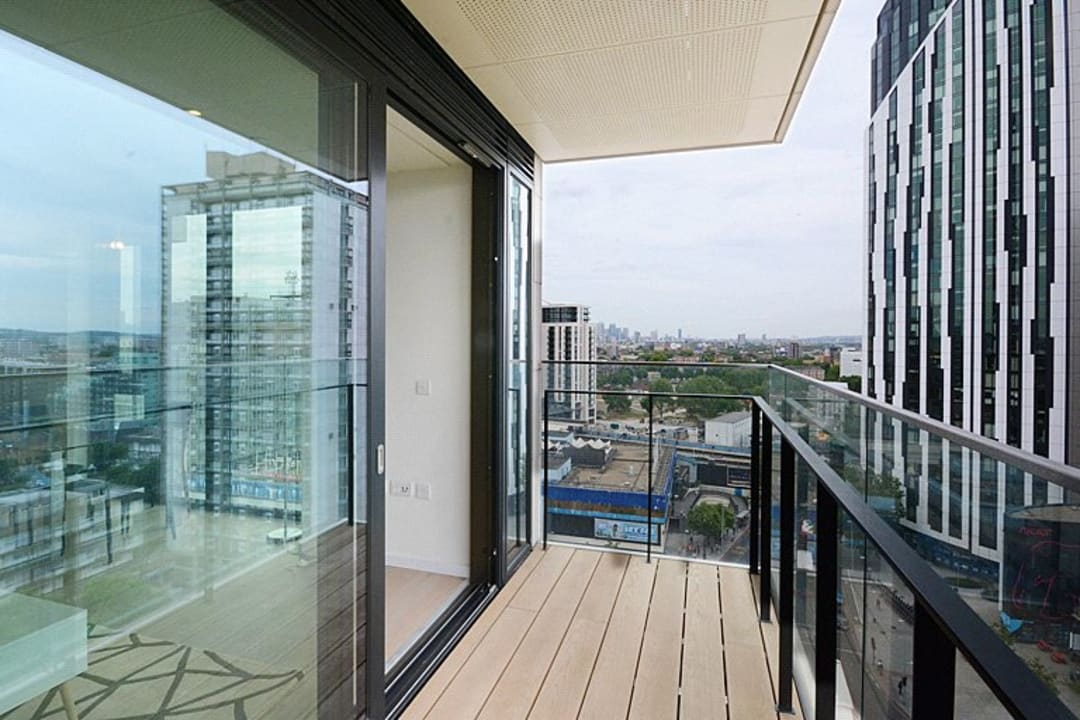 Flat for sale in St. Gabriel Walk, Elephant and Castle, SE1 6FB - view - 8