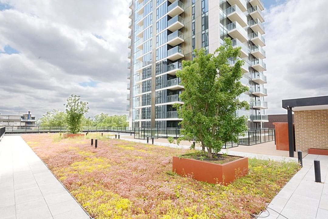 Flat for sale in St. Gabriel Walk, Elephant and Castle, SE1 6FB - view - 13