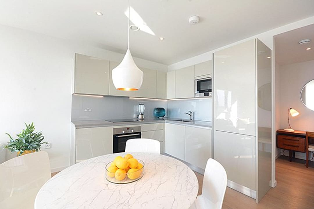 Flat for sale in St. Gabriel Walk, London, SE1 6FD - view - 6