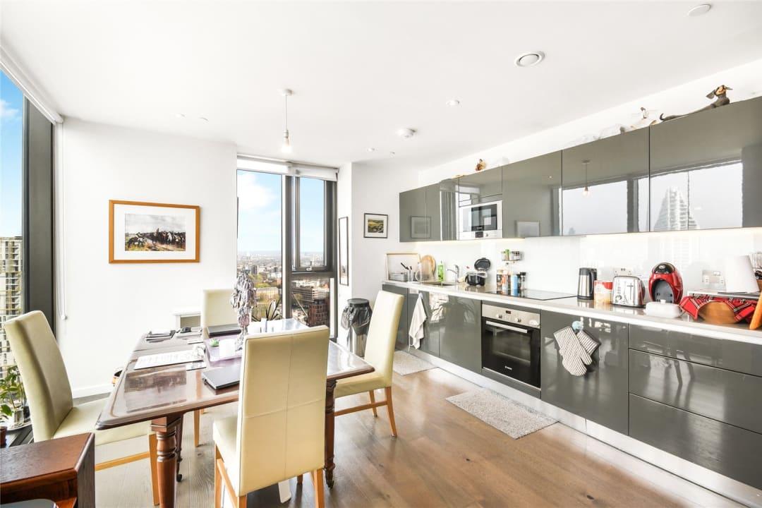 Flat for sale in St. Gabriel Walk, London, SE1 6FD - view - 4